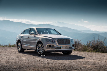 В марте 2016 покажут купеобразный кроссовер на базе Bentley Bentayga BMW Другие марки Bentley
