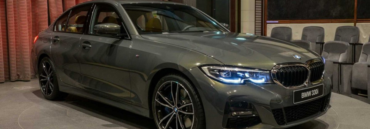 BMW Абу-Даби Моторс получил первые BMW 3-й серии G20 2019 в цвете Dravite Grey Metallic