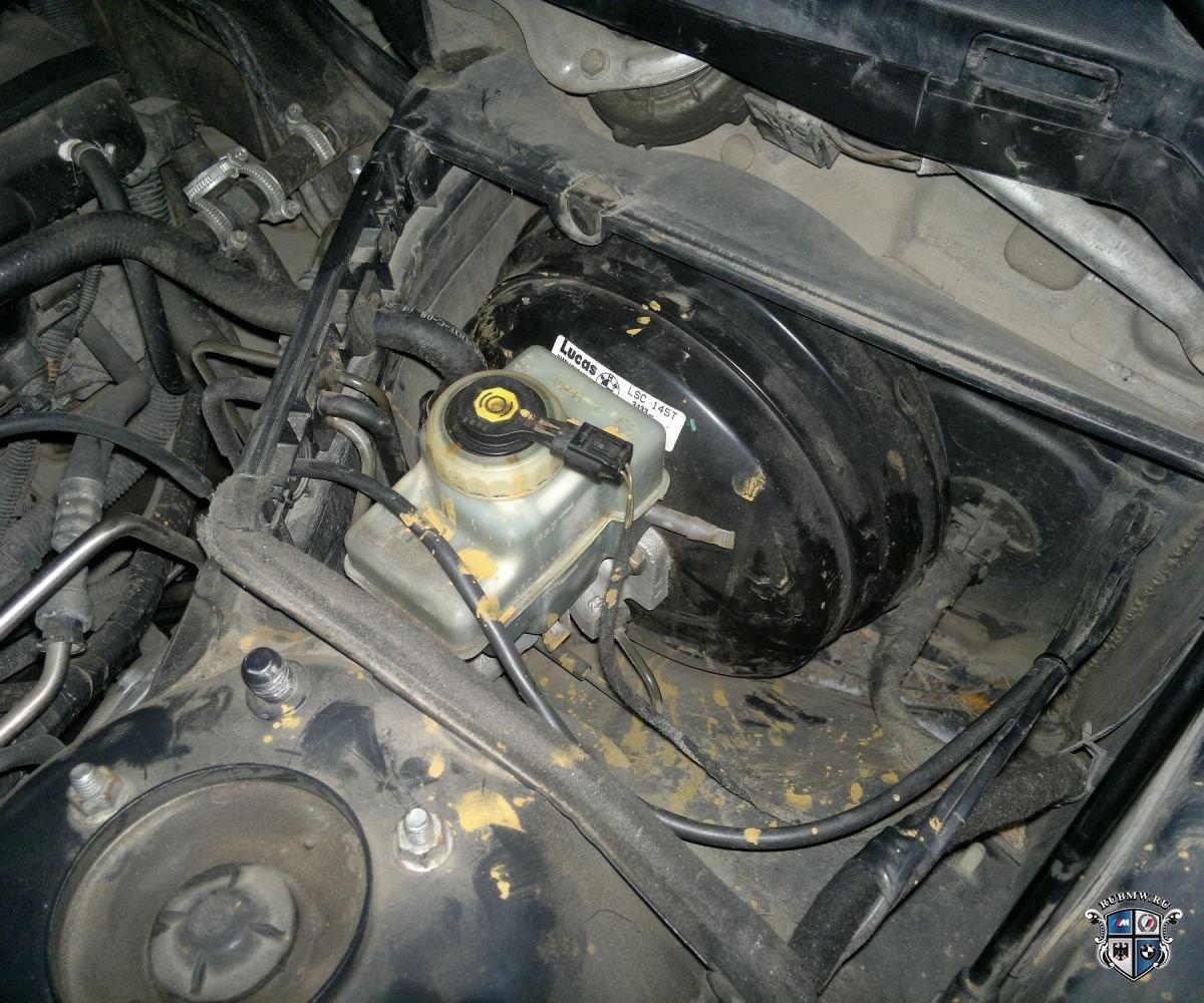 клапан на вакуумном усилителе bmw e30