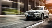 2011 BMW X3 first look from Consumer Reports BMW X3 серия F25