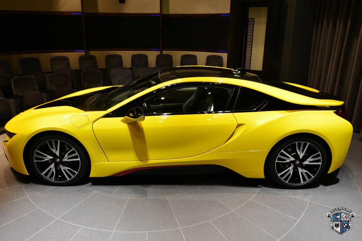 Двигателем года стала гибридная установка BMW