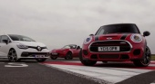 Mini Cooper S JCW vs. Toyota GT 86 vs. Mazda MX-5 vs. Renault Clio RS 220 Trophy BMW Всё о MINI COOPER Все MINI
