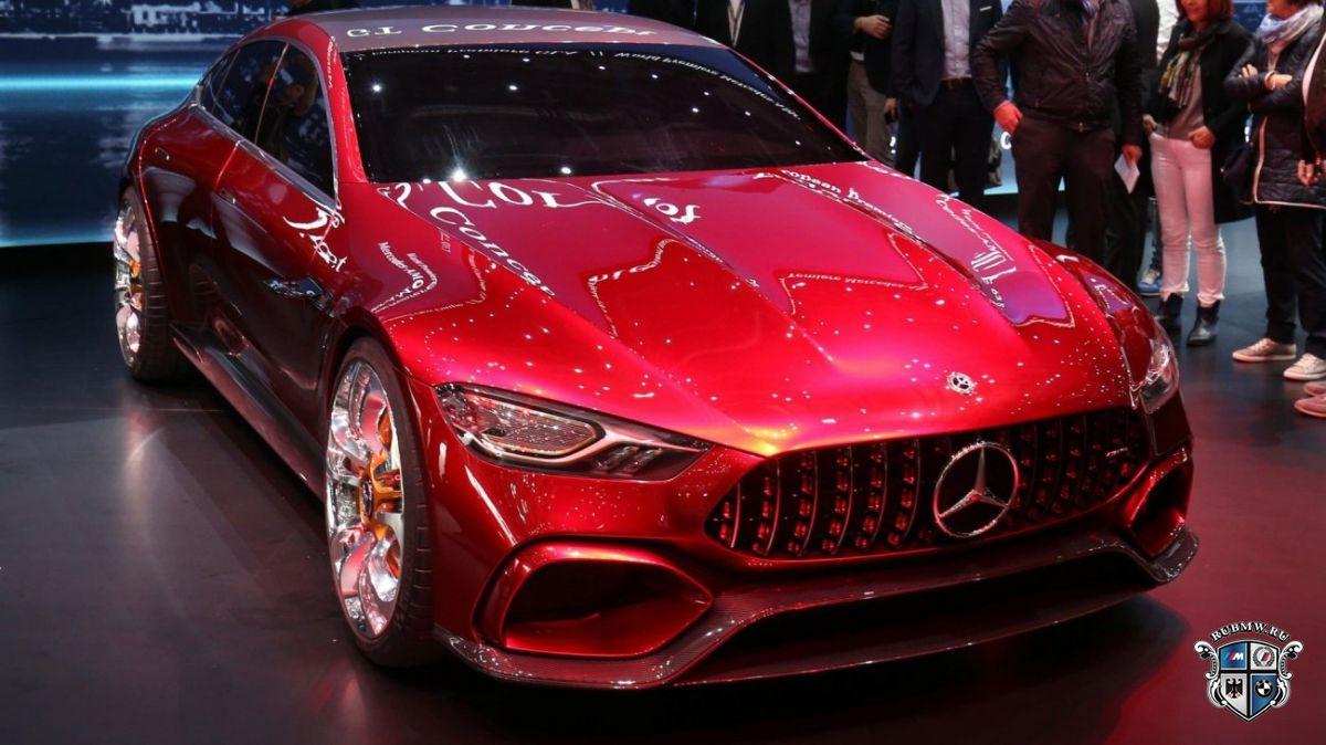 Натестах засекли прототип седана Mercedes-AMGGT Concept