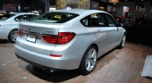 New BMW 5 series GT road test review 2010 BMW 5 серия GT