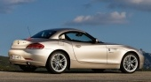 Car Tech 2009 BMW Z4 sDrive 35i review BMW Z серия Все BMW Z